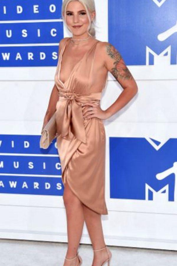 El problema con el traje de Carly Aquilino es el color. Se pierde en medio de su tono de piel y su color de cabello. Foto:Getty Images