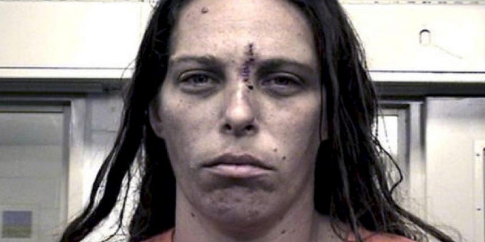 Y a Michelle Martens, de 35 años Foto:AP
