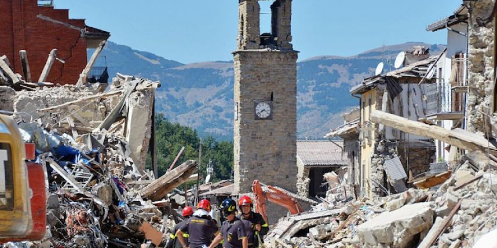 La fiscalía abrió indagaciones sobre el campanario de la iglesia de Accumoli, que se derrumbó sobre una casa causando la muerte de un matrimonio y sus dos hijos. Foto:Getty Images/ Archivo