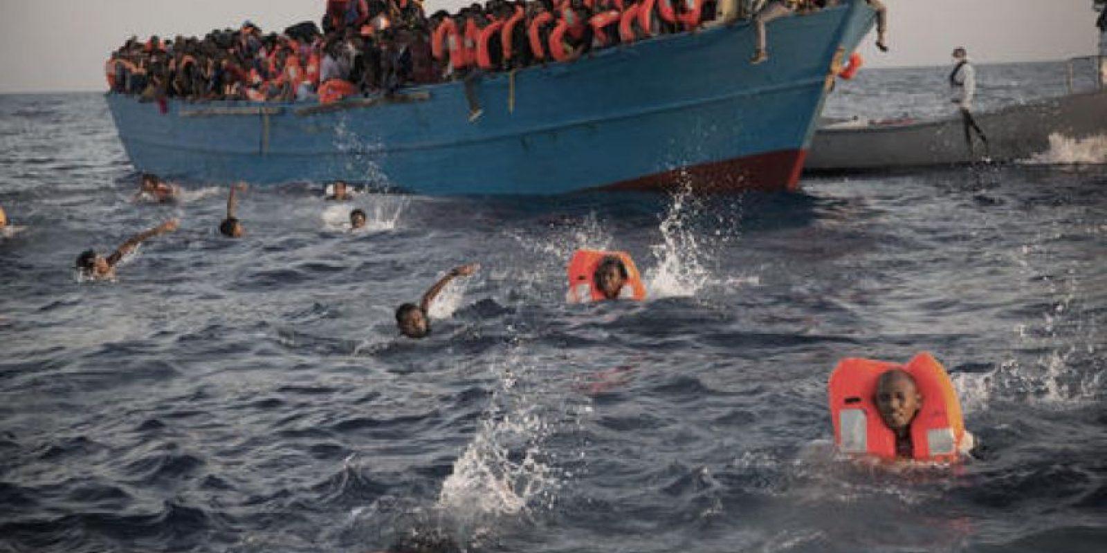"""El año pasado, la OIM calificó el Mediterráneo como la ruta """"más mortal para los inmigrantes que buscan una vida mejor"""". Imagen de archivo para ilustrar, no corresponde al día del evento. Foto:AP/ Archivo"""
