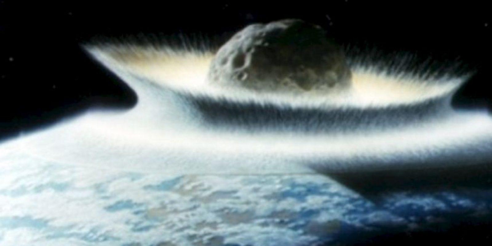 Fotos: Esto nos pasaría si cae un asteroide como el que mató a los dinosaurios Uno de los más cercanos en rozar la Tierra fue el asteroide Apofis en 2004. Aunque el riesgo es que vuelva en 2029. Pasaría a 35 mil kilómetros de la Tierra. Foto:Astroart