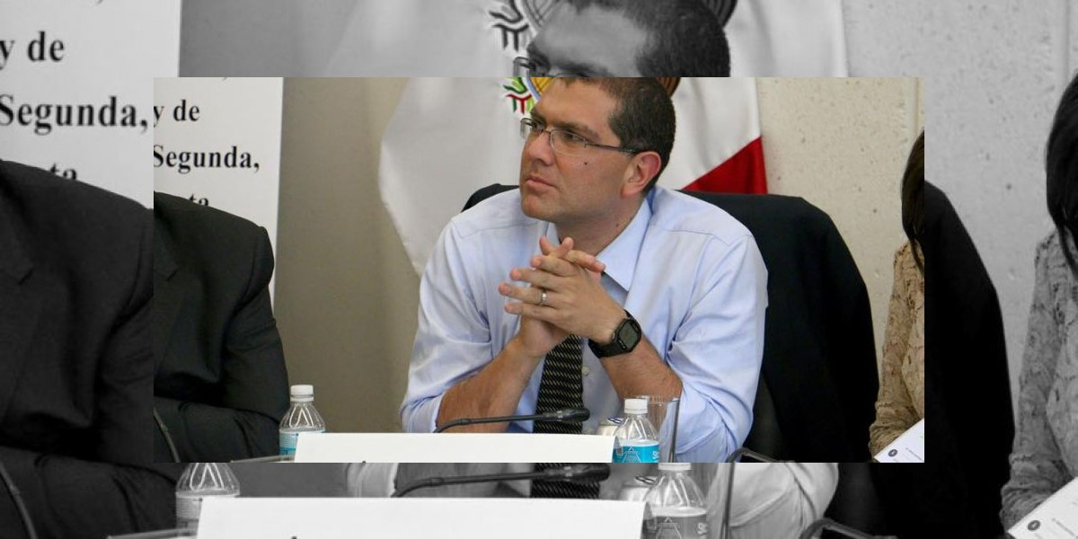 La columna de Armando Ríos Piter: #FueraElFuero