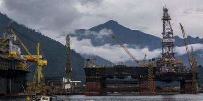 Caen precios del petróleo por alza de producción de la OPEP
