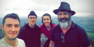 Excursionistas se encuentran con Mel Gibson en una montaña por casualidad