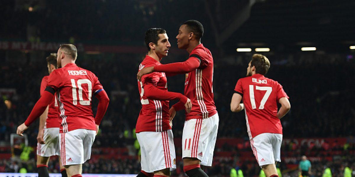 Manchester United avanza a semis de la Copa de la Liga, Arsenal es eliminado