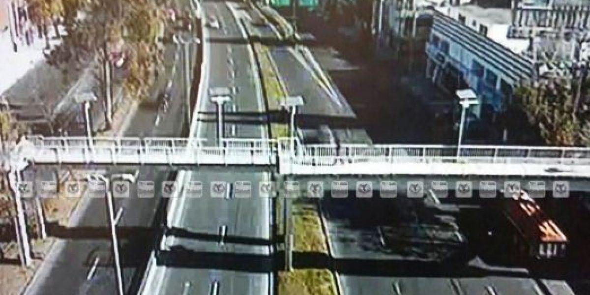 Evitan suicidio de mujer en Viaducto