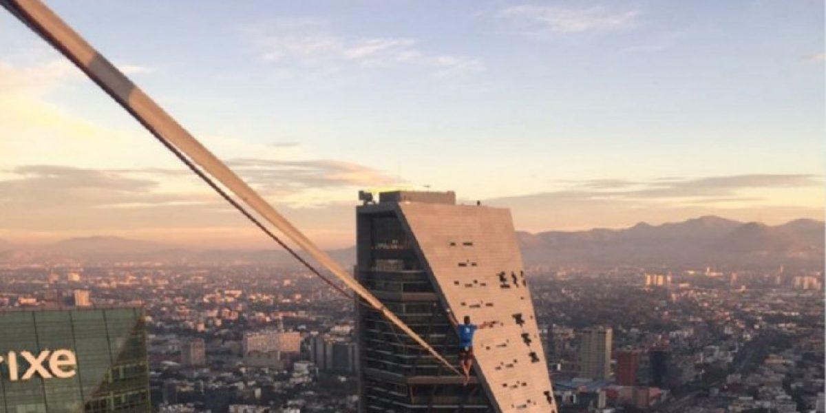 VIDEO:  Alexander Schultz atraviesa Reforma a más de 200 metros de altura