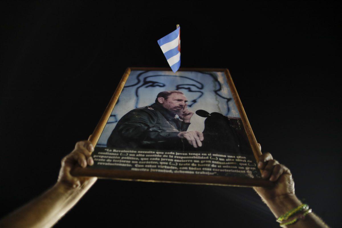 © Copyright 2016 The Associated Press. All rights reserved.. Imagen Por: Miles de personas asistieron al último homenaje a Fidel | Foto: APCastro