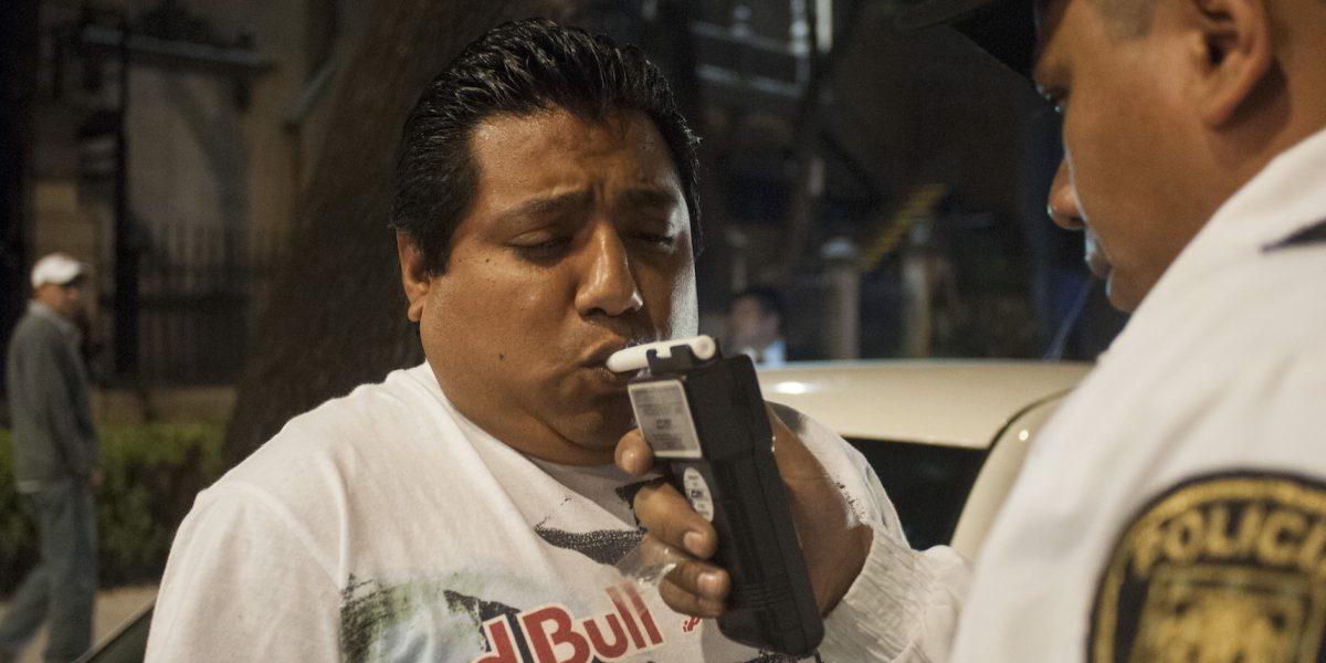 Tras accidente del BMW en Reforma, piden extender alcoholímetro hasta las 7 AM