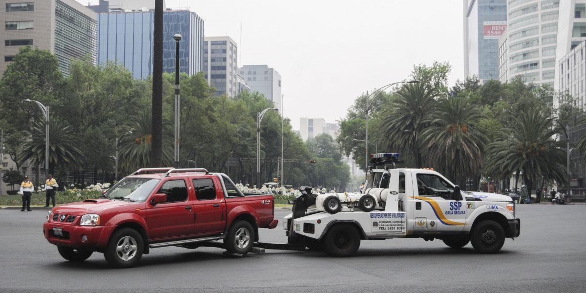 Este miércoles Hoy No Circula aplica para autos con engomado rojo