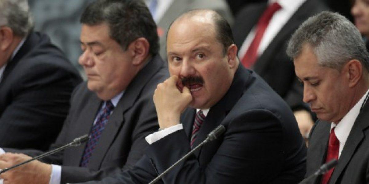 Denuncian a ex funcionarios de César Duarte; retenían 10% del salario de trabajadores