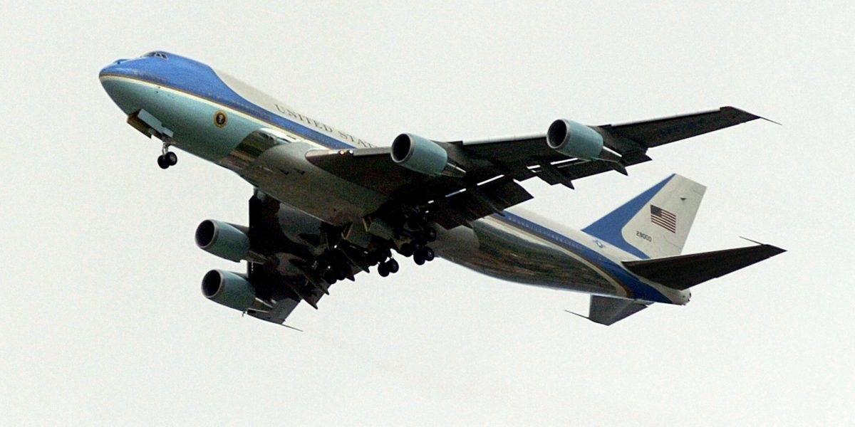 Donald Trump rechaza nuevo Air Force One por caro, Boeing lo desmiente