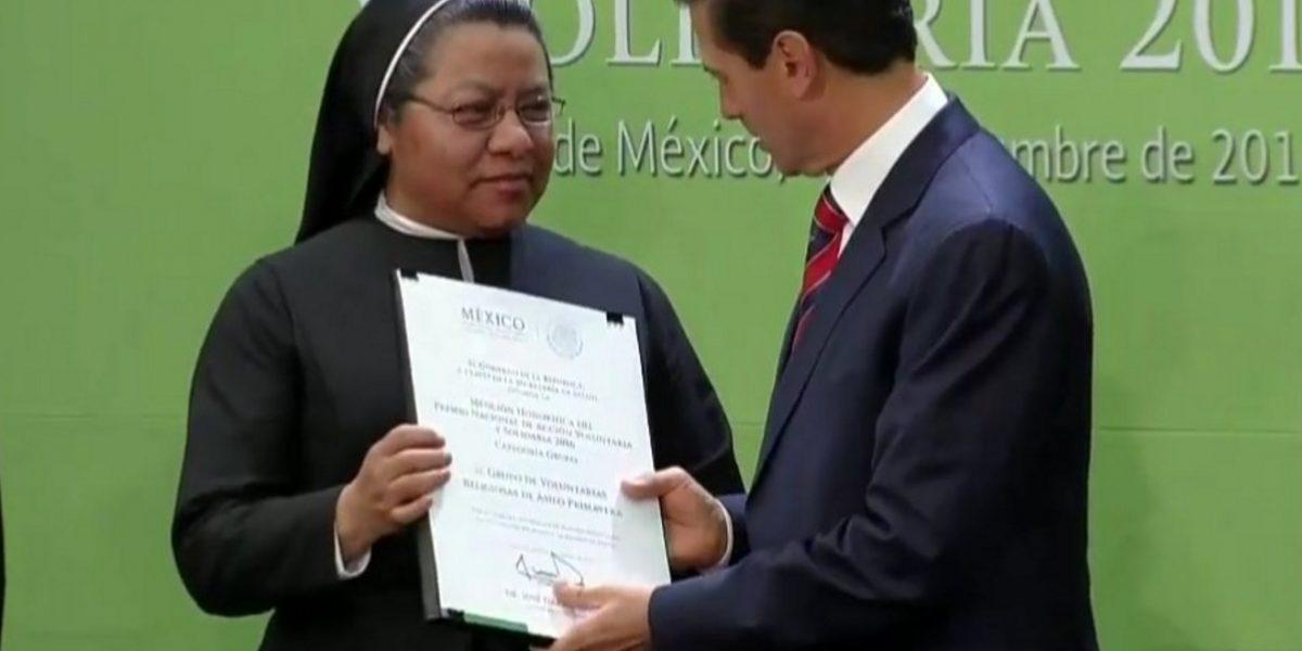 Peña Nieto se compromete a revisar el régimen fiscal de organizaciones altruistas