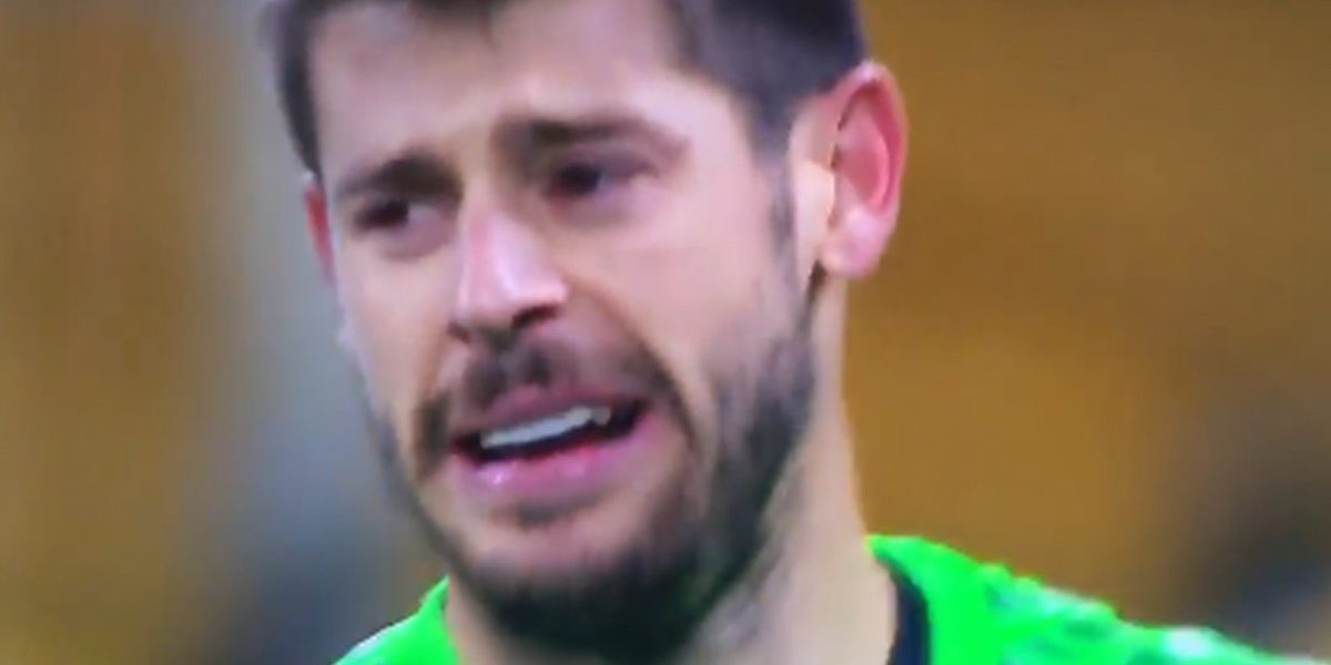 VIDEO: Portero del Besiktas rompe en llanto tras goleada en la Champions