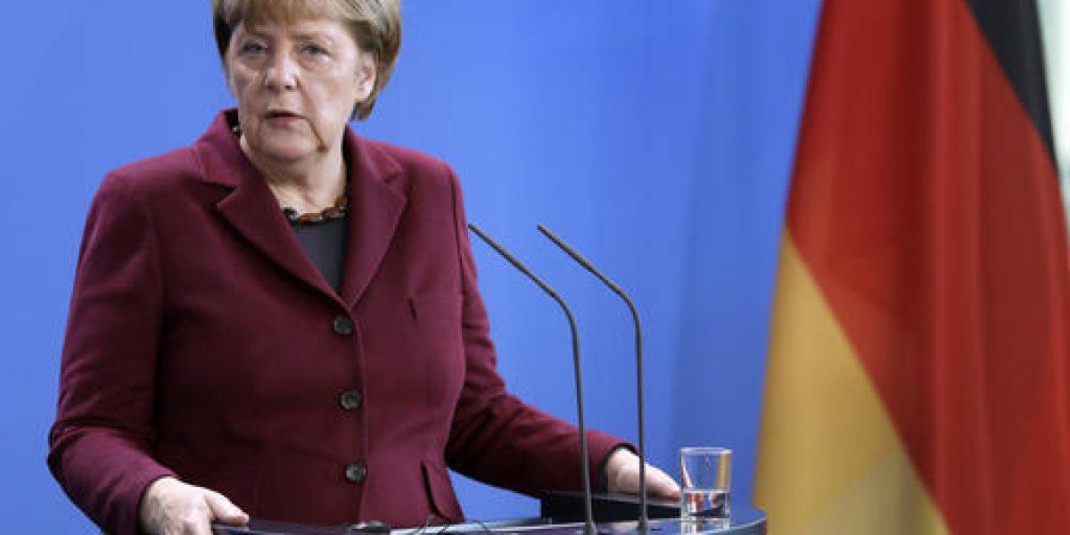 Angela Merkel anuncia expulsión masiva de migrantes