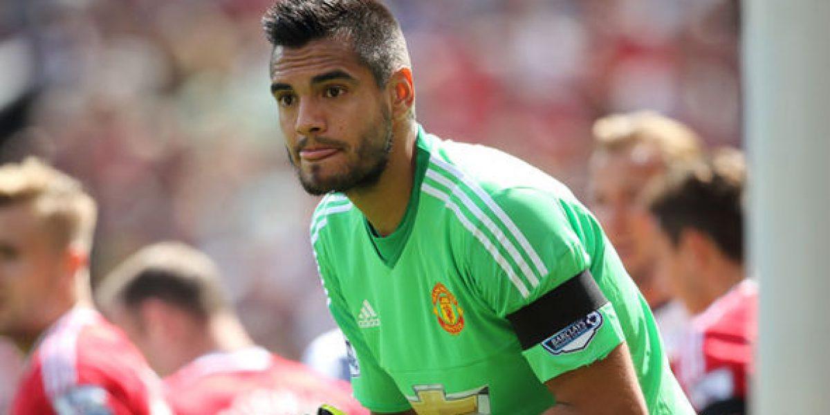 "Jugador del Manchester United usa ""modesto"" carro para ir a entrenar"