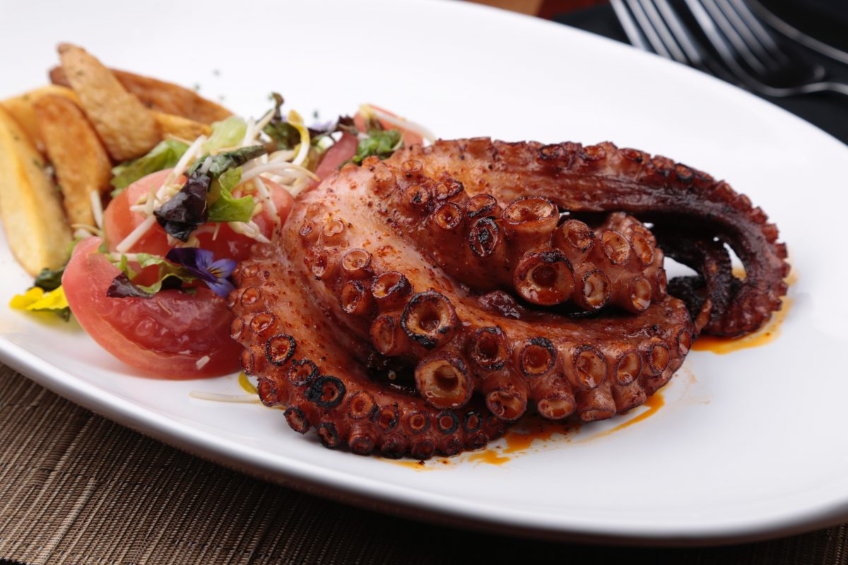 Restaurante D10&Seis. Imagen Por: La mejor carta internacional. | Cortesía