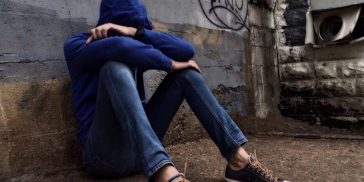 Detienen a una joven de 16 años por ciberbullying en redes sociales