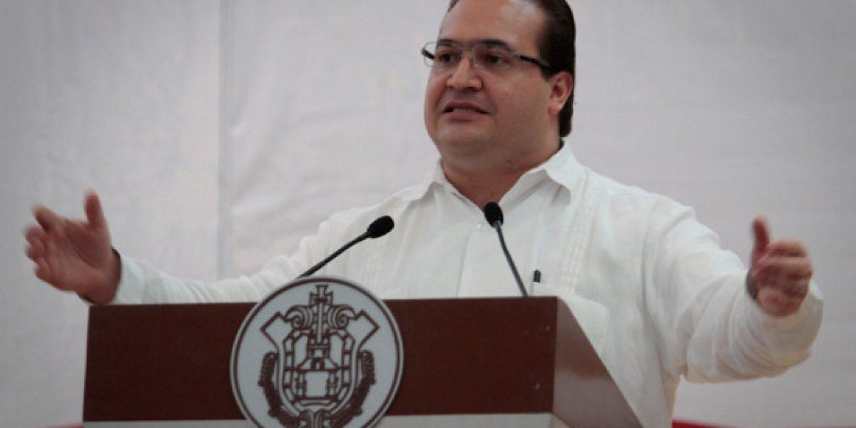 Acción Nacional postula a políticos cercanos a Duarte en Veracruz, acusa PRI