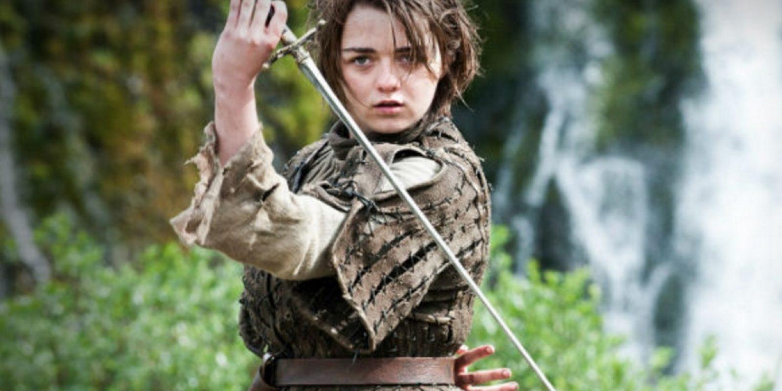 Filtran fotos íntimas de Maisie Williams, actriz de Game of Thrones. Imagen Por: HBO