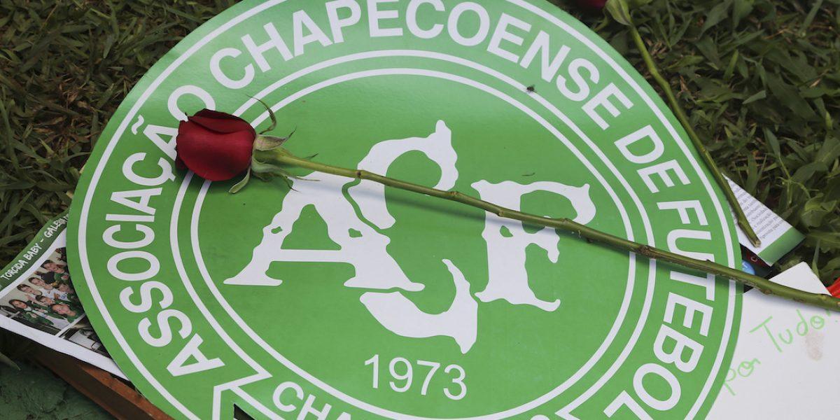 Chapecoense cambia su escudo tras el trágico accidente