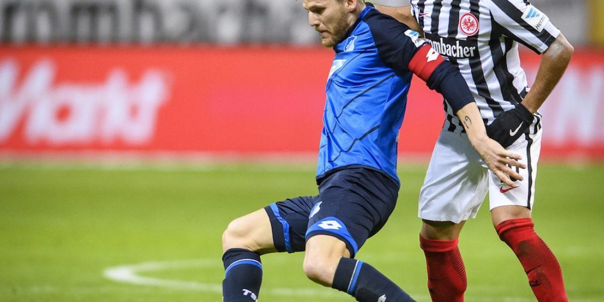 Marco Fabián y el Eintracht consiguen sufrido empate en la Bundesliga