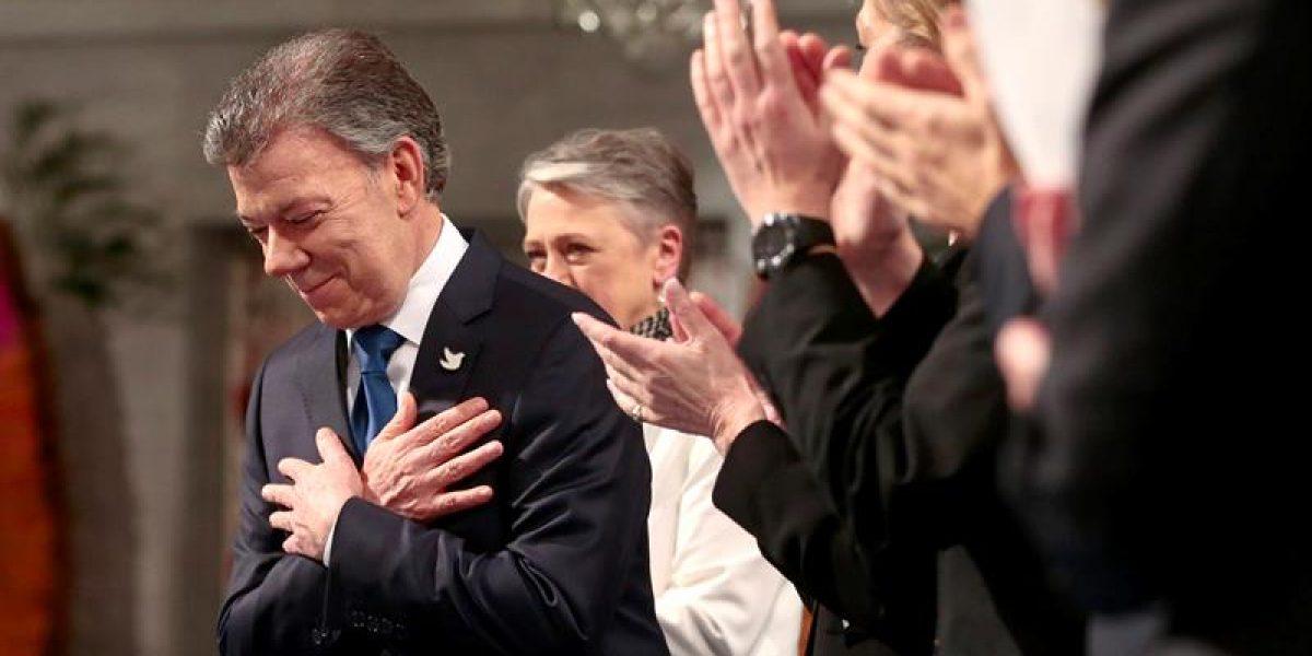 Santos recibe Nobel de la Paz, lo dedica a víctimas de la guerra