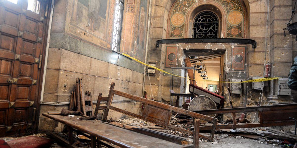 Al menos 25 muertos por explosión en iglesia de Egipto