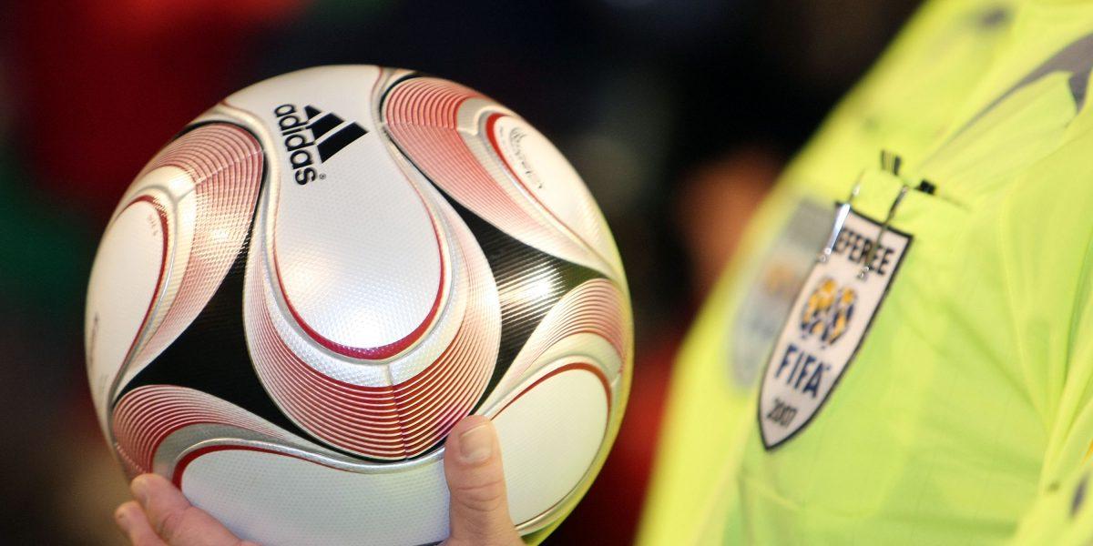 Árbitros asistentes de video debutan en el Mundial de Clubes