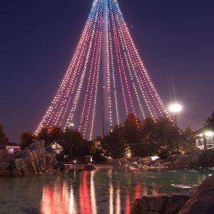 La Skytower se convierte en el árbol de Navidad más grande del Sur de California. | Cortesía SeaWorld