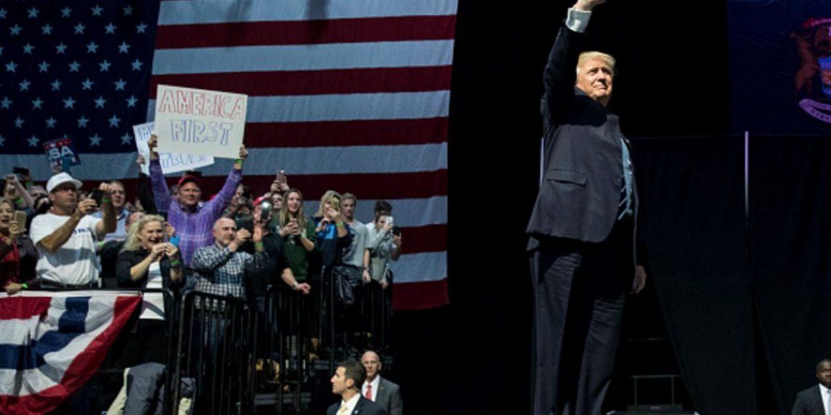 No hay libre comercio cuando empresas se van y quieren volver a vender en EU: Trump