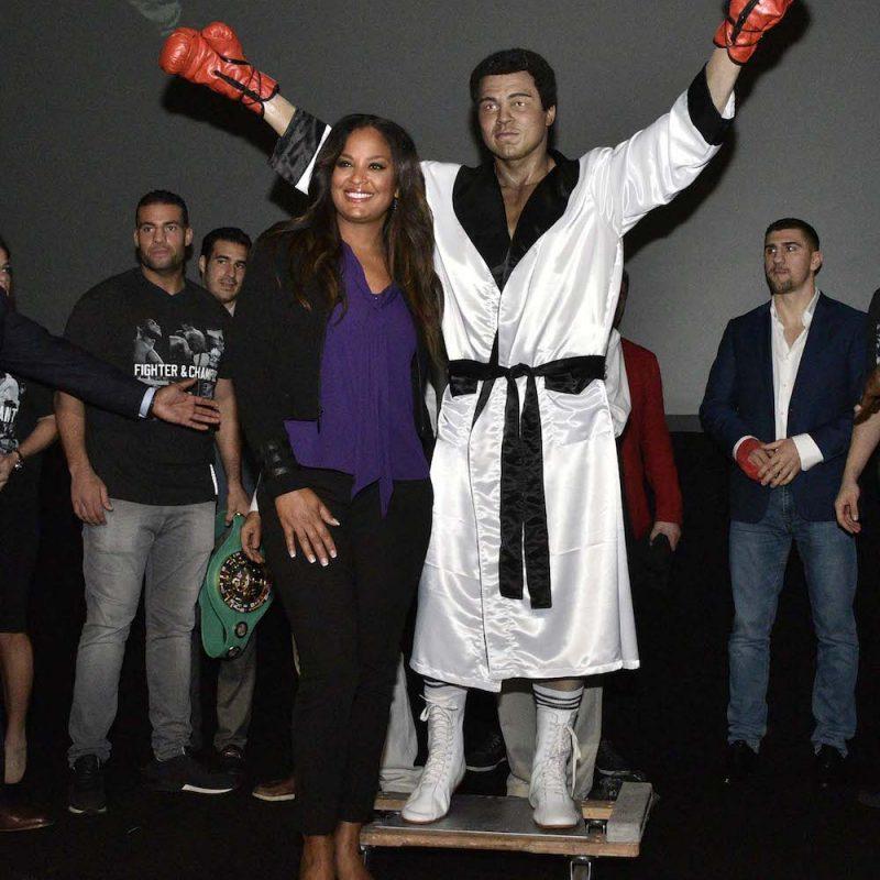 033. Imagen Por: Develan estatua en homenaje a Muhammad Ali en Convención del CMB. / Alma Montiel_CMB