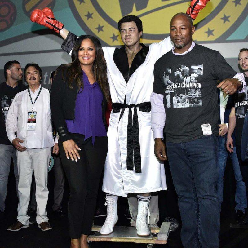 035. Imagen Por: Develan estatua en homenaje a Muhammad Ali en Convención del CMB. / Alma Montiel_CMB