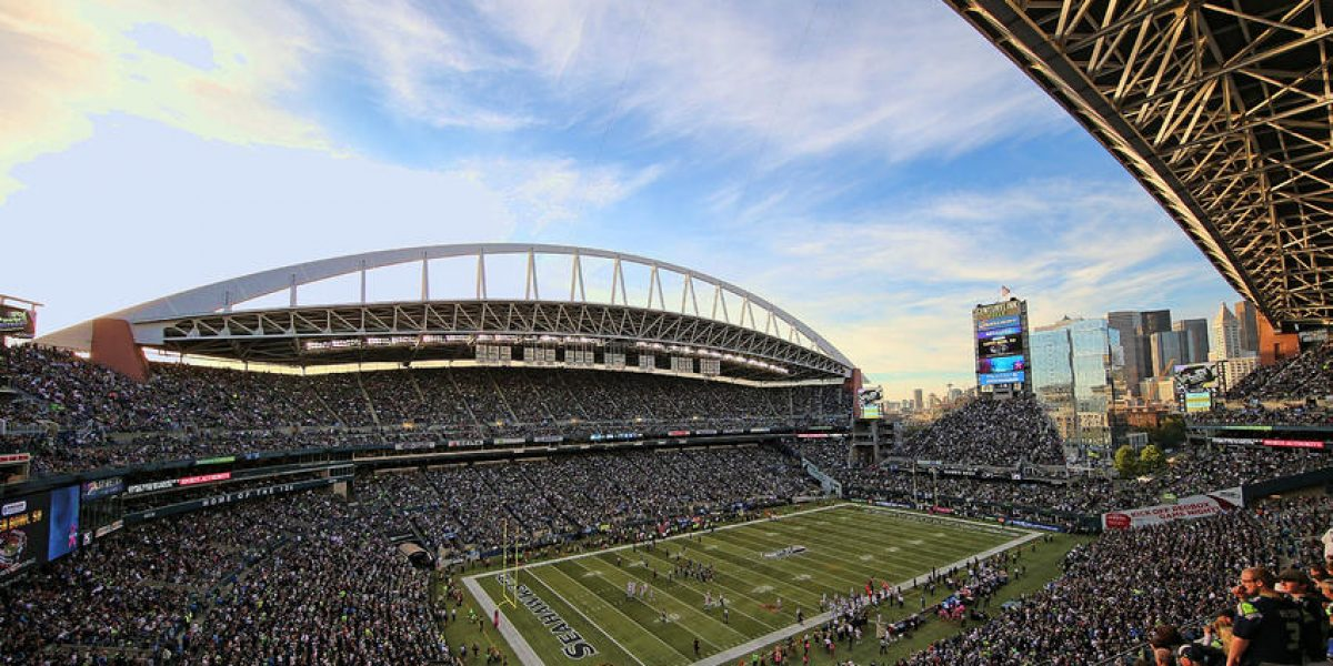 Proponen ley en Washington que permitiría llevar armas a los estadios