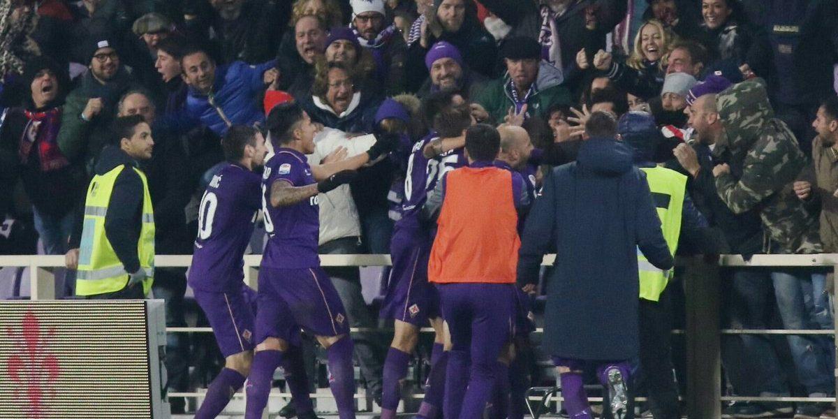 Salcedo juega en triunfo de la Fiore sobre el Sassuolo