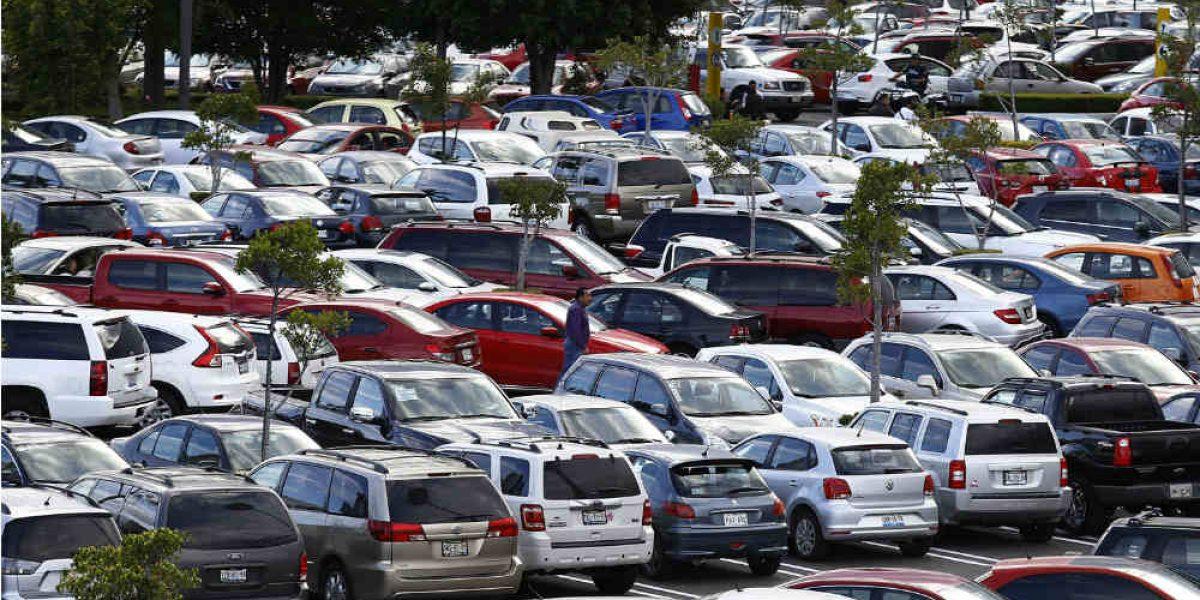 CDMX busca limitar estacionamiento en edificios