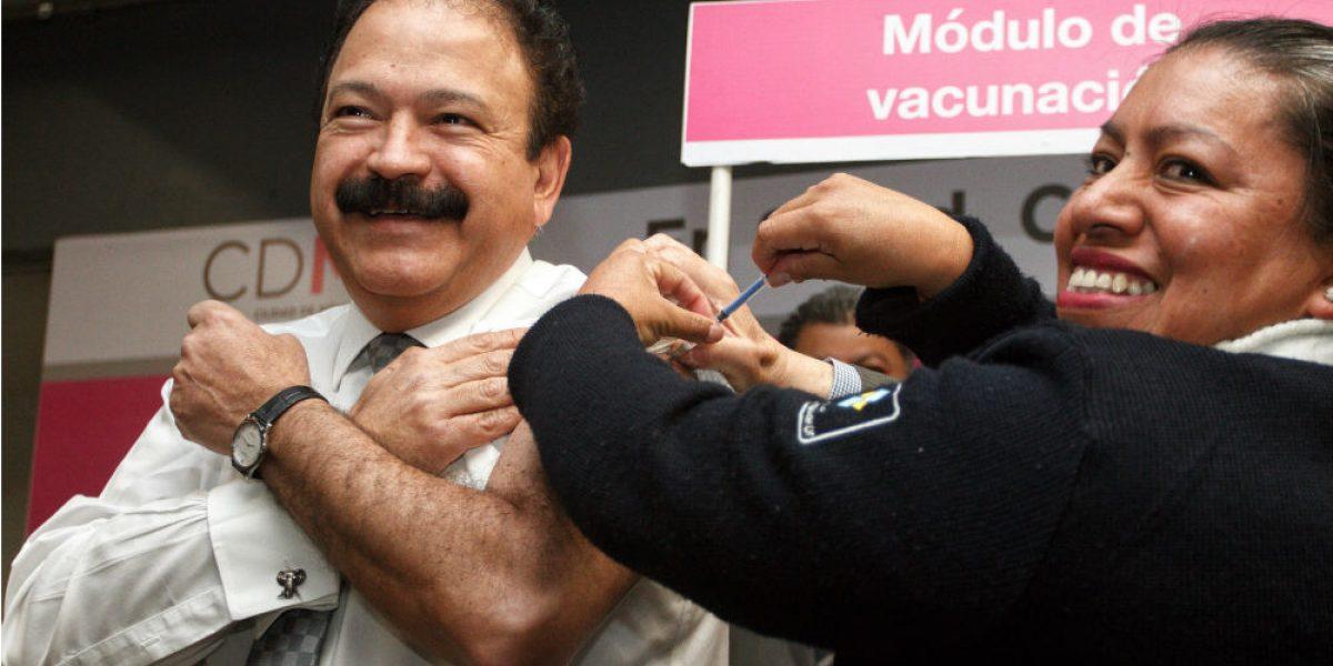 Baja 33% influenza; CDMX reparte vacunas