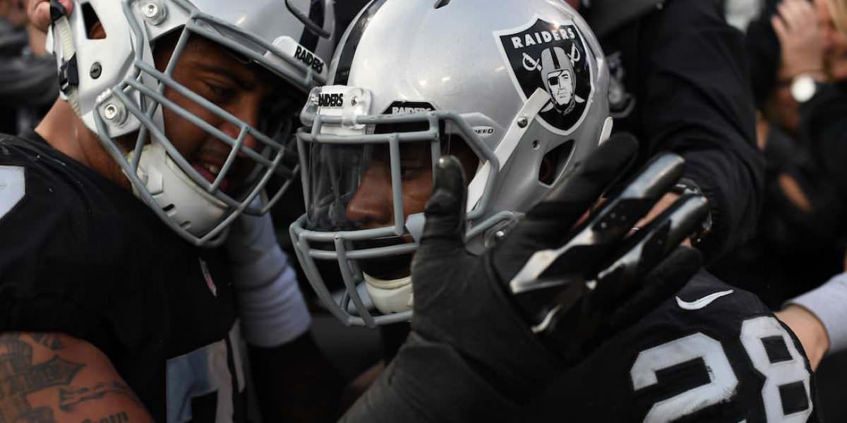 Junta local aprueba proyecto de estadio para Raiders