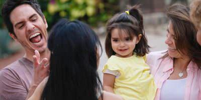 Hija de Alessandra Rosaldo y Eugenio Derbez se encuentra en cama. Imagen Por: Vía instagram.com/alexrosaldo