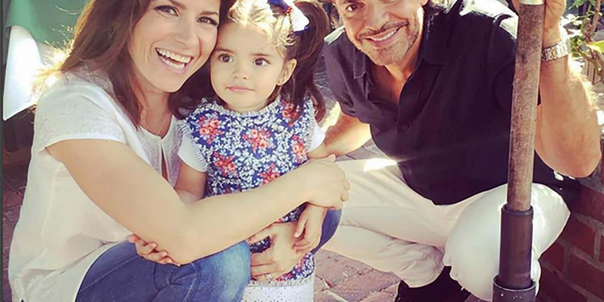 Hija de Alessandra Rosaldo y Eugenio Derbez se encuentra en cama