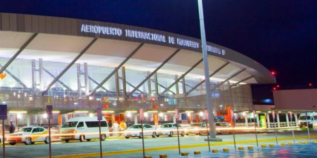 Cierran el Aeropuerto de Monterrey por neblina