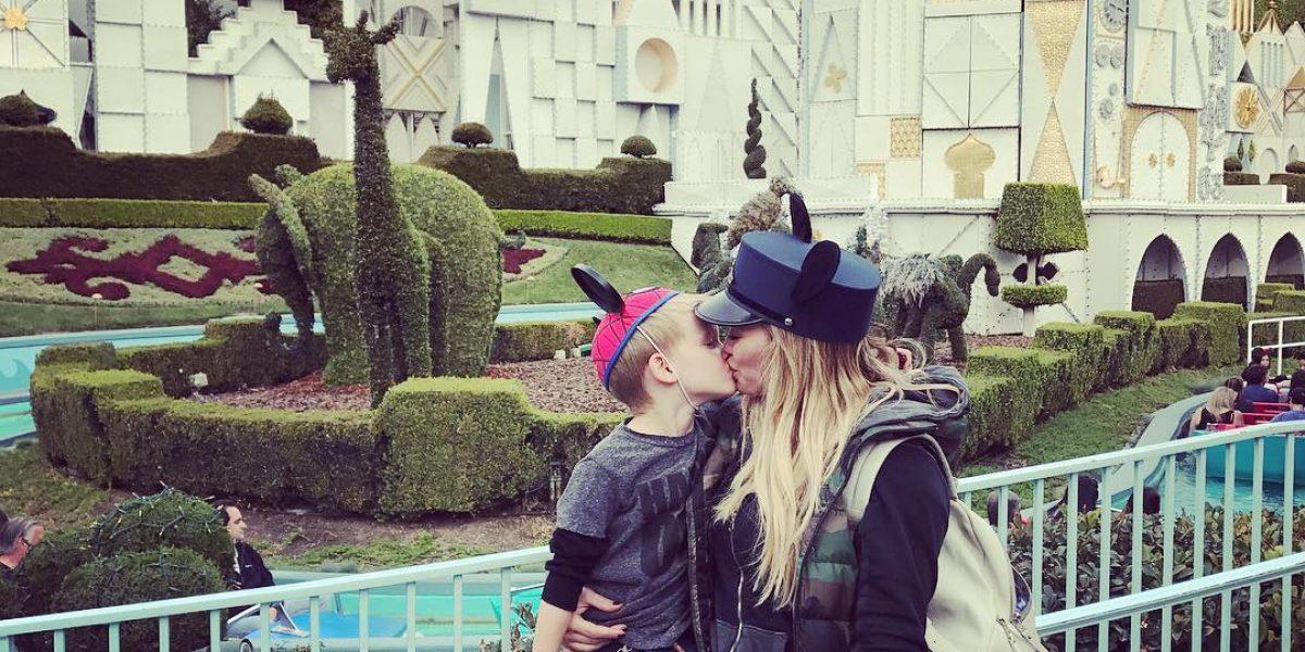 Hilary Duff responde a quienes la criticaron por la foto con su hijo