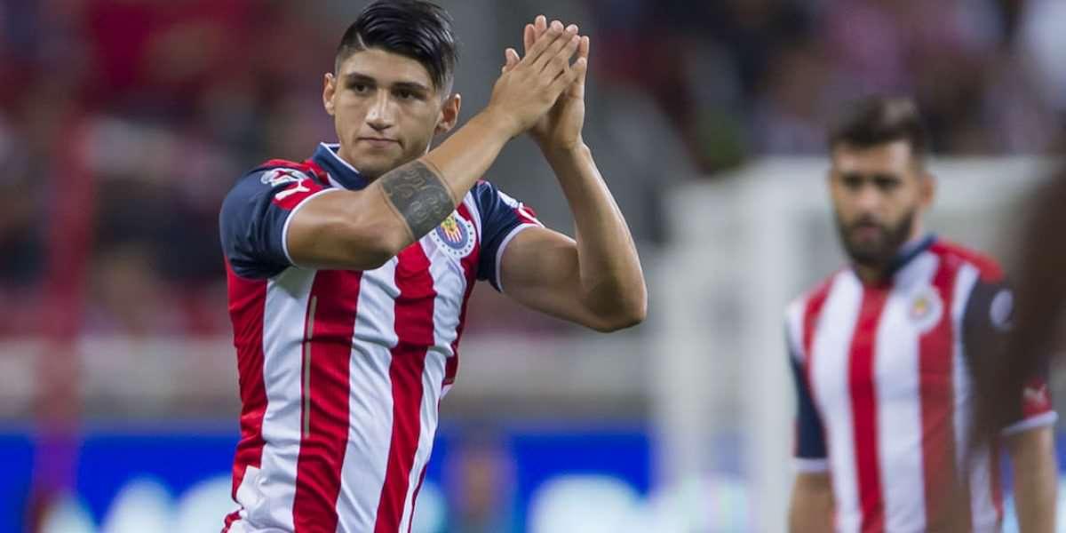 Alan Pulido supera a Messi en búsquedas de Google