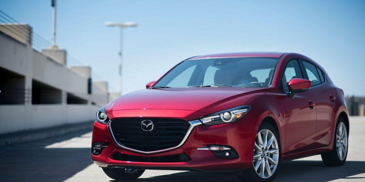 Mazda 3 sedán i Touring 2017 ¡Qué gran producto!