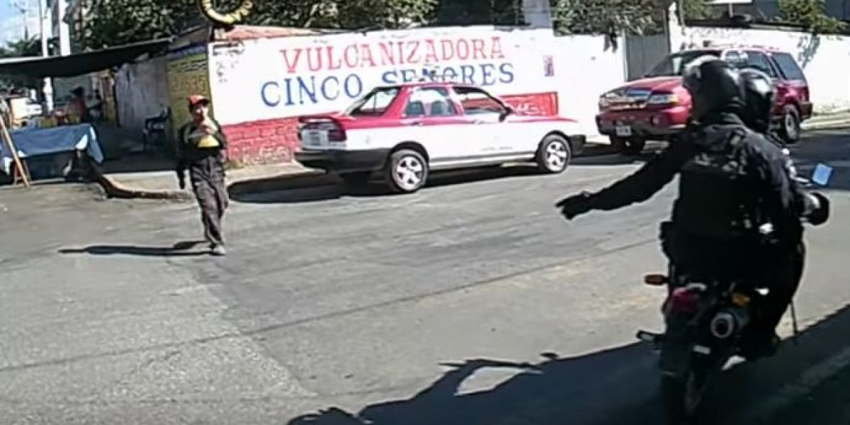 VIDEO: Ciudadano identifica a presunto ladrón y policías se niegan a detenerlo