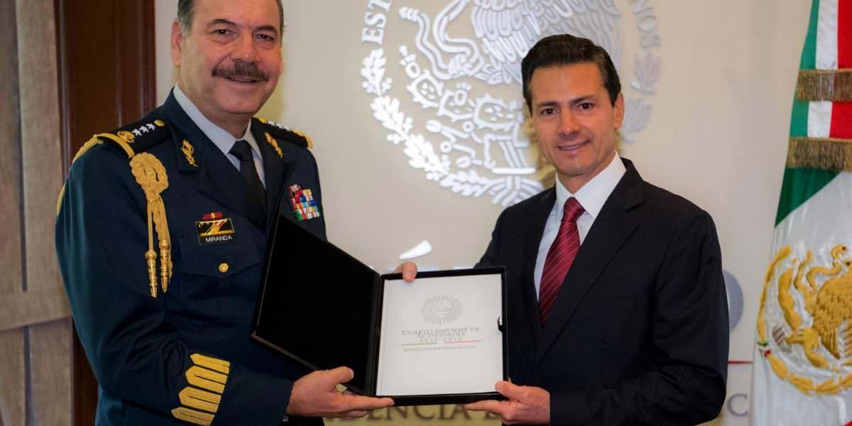 Recibe Peña Nieto informe anual del Jefe del Estado Mayor Presidencial