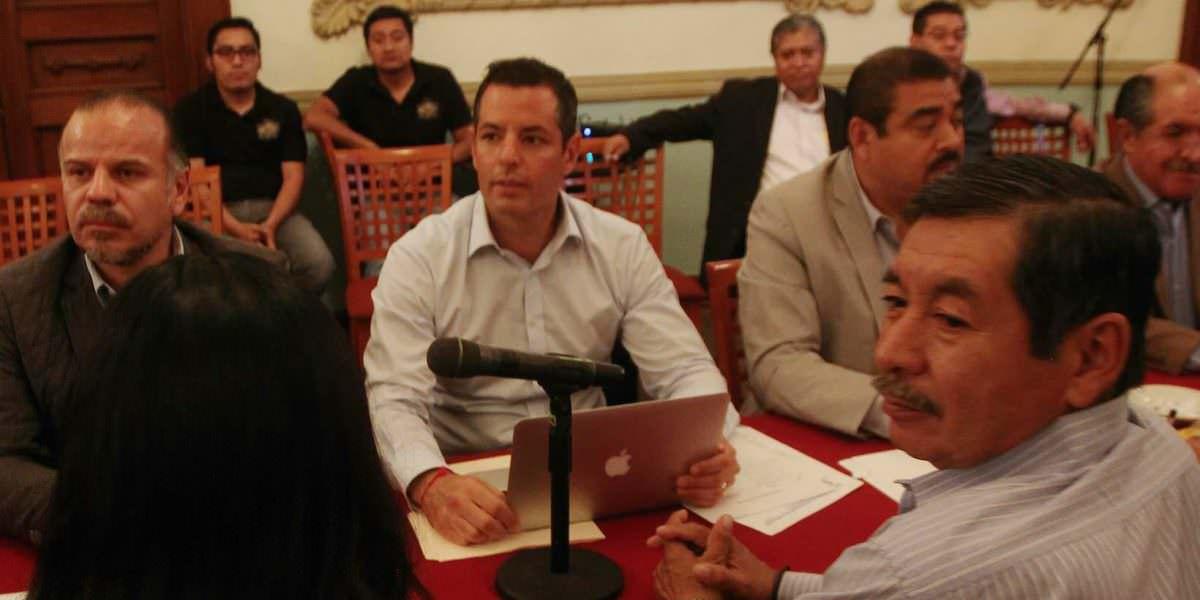 Gobierno otorga mil mdp a maestros de la CNTE