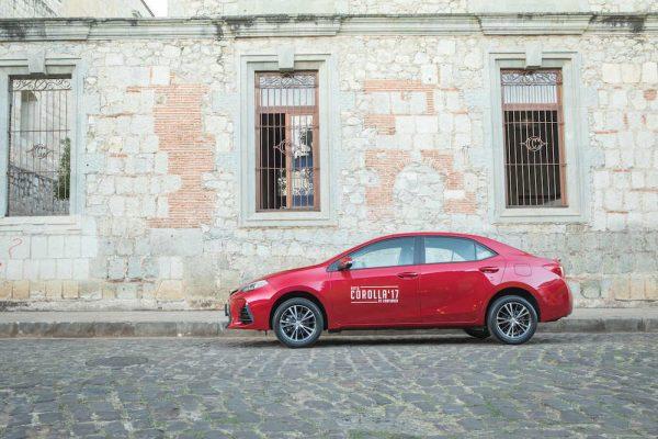 Toyota Corolla 2017 Surfea En El Asfalto