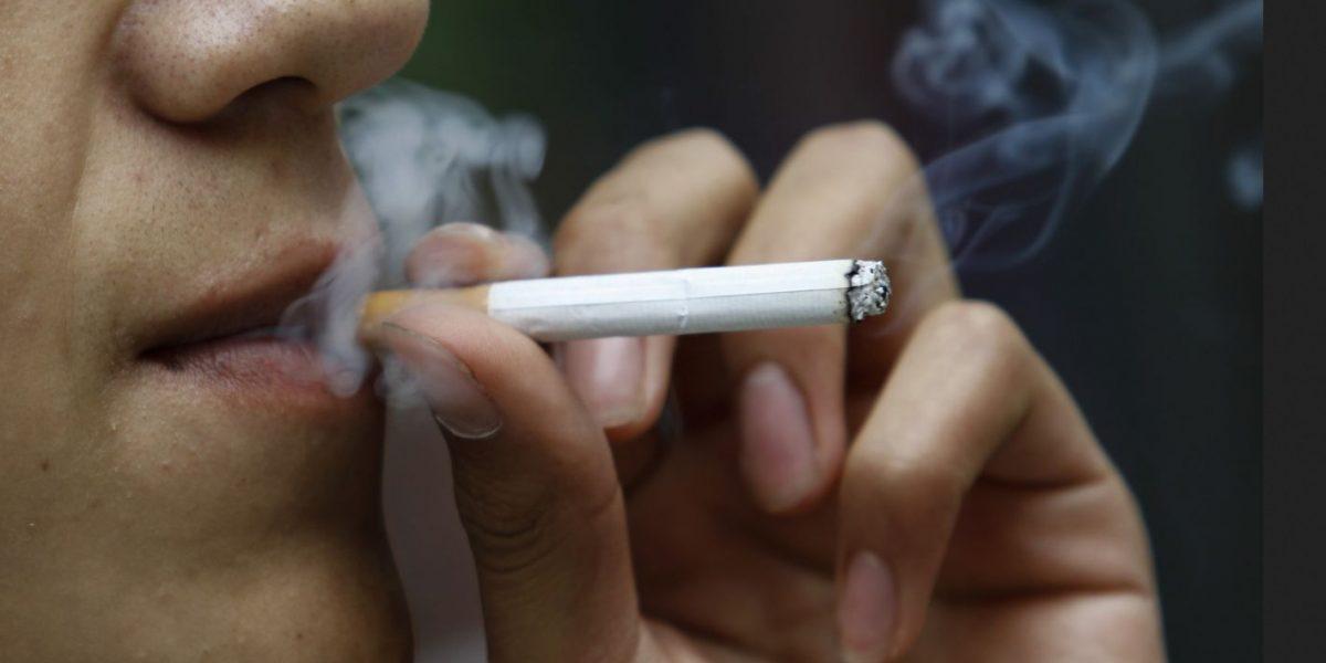 En fiestas decembrinas 50% de ex adictos vuelve a fumar