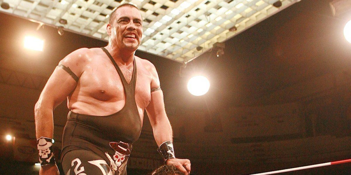 Luchador Universo 2000 sufrió un ataque al corazón